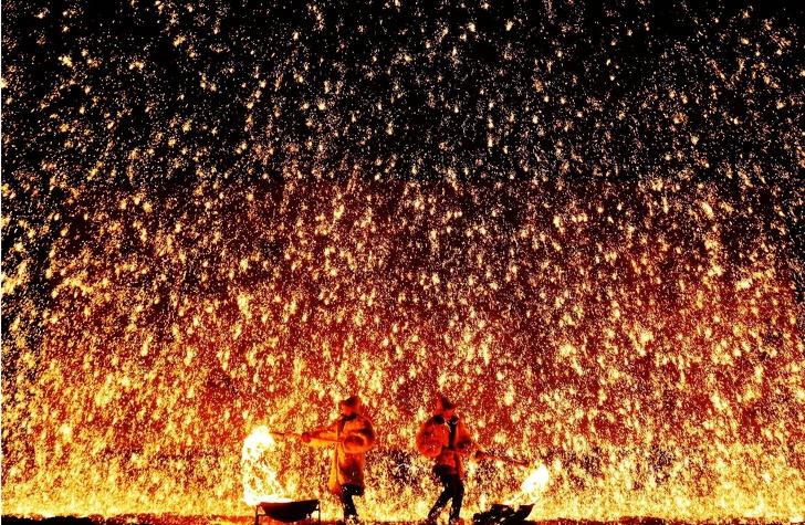 10 новогодних традиций за границей, которые могут ввести в ступор неподготовленного туриста мир,Новый год,традиции