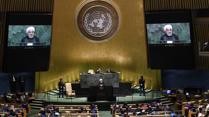 """""""Все-таки перенести"""": Визовый демарш США в отношении России грозит неприятным сюрпризом ООН"""
