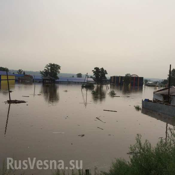«Наше второе наводнение»: Тулун вновь заливает, местные жители публикуют ужасающие кадры (ФОТО, ВИДЕО)