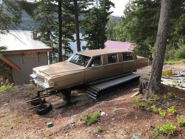 Уникальный лимузин на гусеничном ходу авто