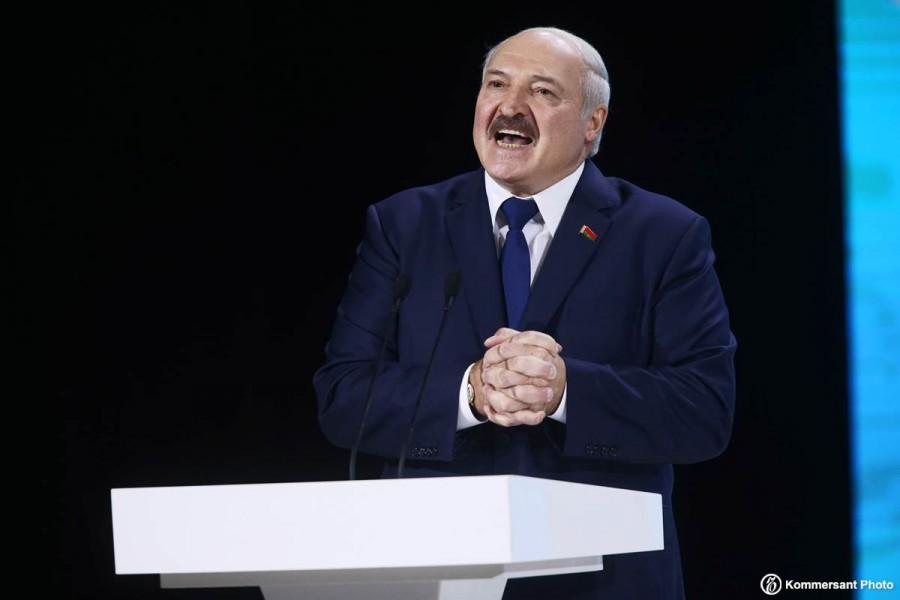 Другие народы отчасти завидуют белорусам что у них случился именно такой диктатор.