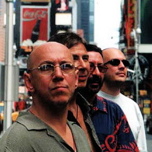 Группа «Воскресение» исполнила свою легендарную песню «Кто виноват».