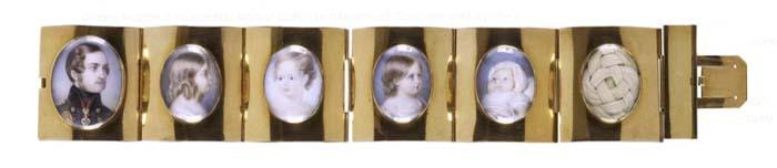 Браслет с портретами членов семьи Виктории и Альберта и прядями их волос