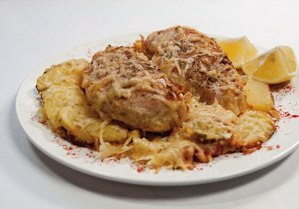 куриные грудки, запеченные в сливках и сыре