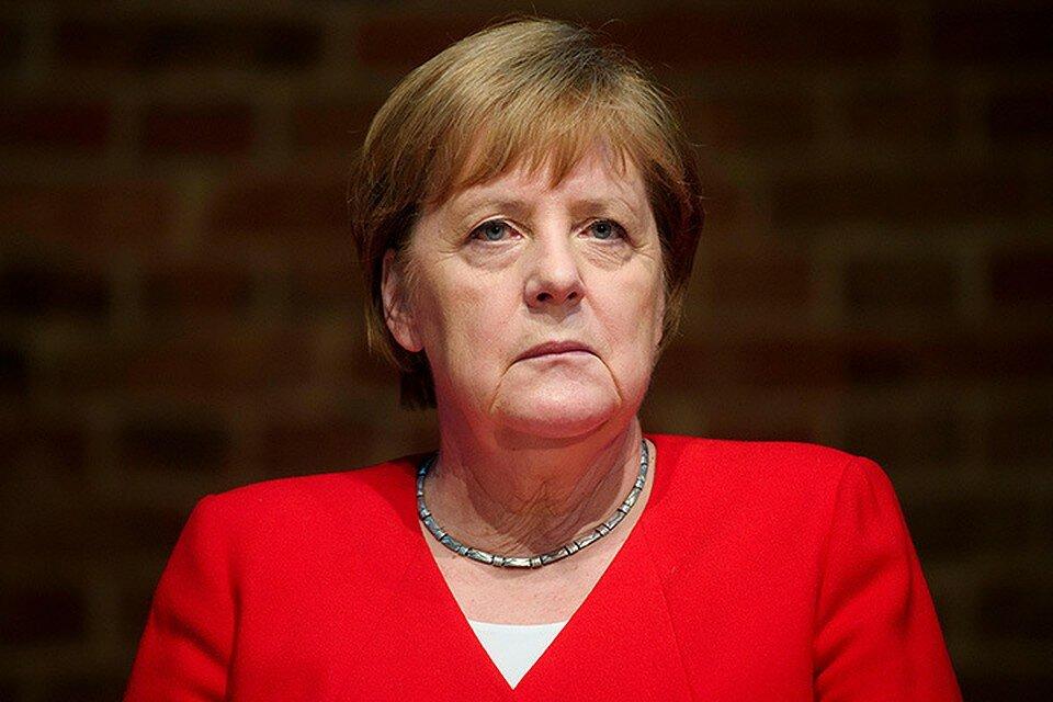 Как бы могла выглядеть Ангела Меркель после нанесения макияжа и посещения косметолога