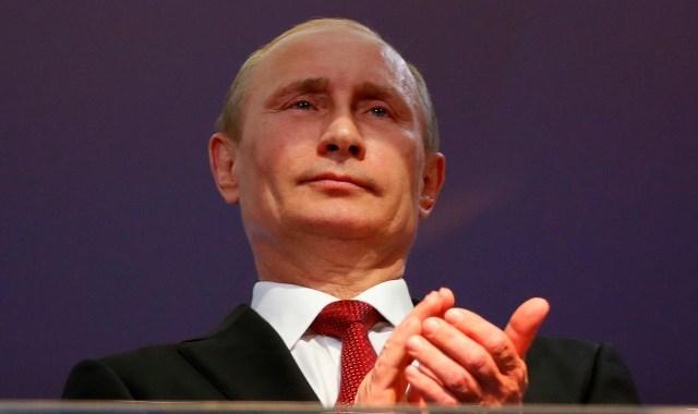 Могучий Путин теряет на глазах авторитет, ему только б дожить до выборов. Но почему?
