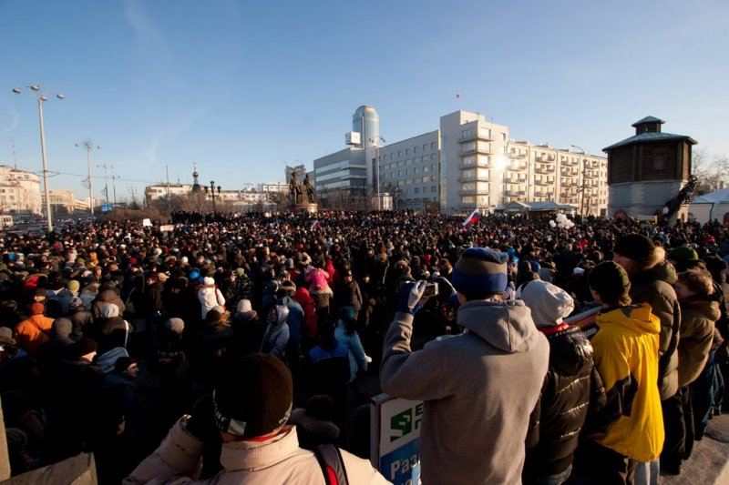 Жители Владивостока потребовали отменить установку ЭРА-ГЛОНАСС на иномарках