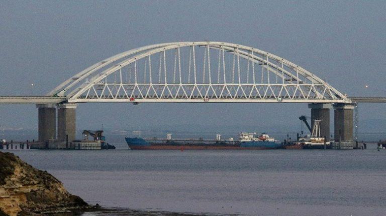 Запад разрешил Киеву захватить военные корабли России