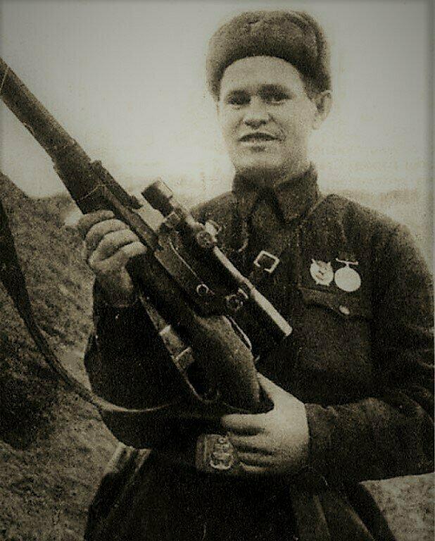 Побывал на могиле знаменитого снайпера Василия Зайцева. Рассказываю, где она находится