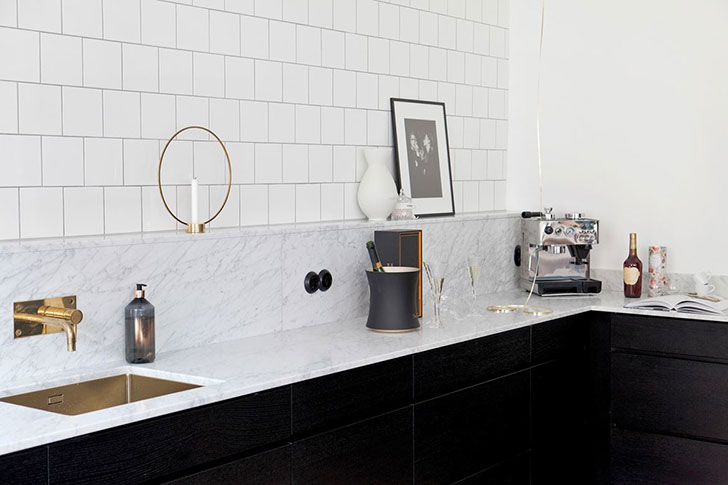Большая кухня — залог прекрасного дома