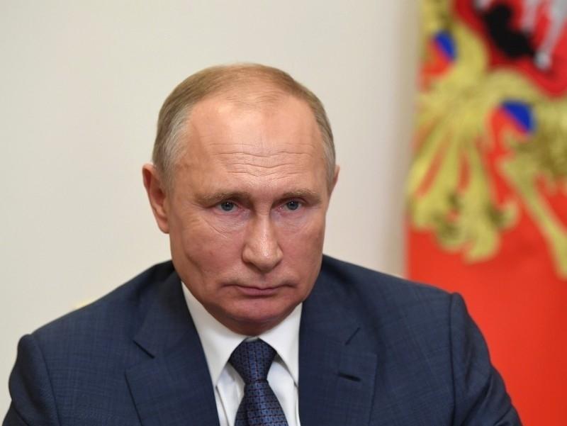 """""""Под наблюдением врача"""": Колесников назвал вакцину, которой привился Путин"""