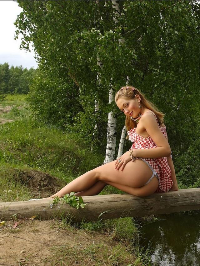 личные фото русских девок в дереве правило