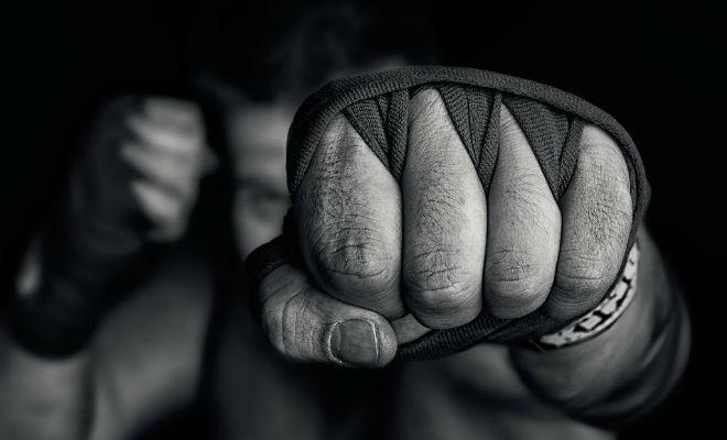 Набиваем кулаки в домашних условиях: правильная техника бокс