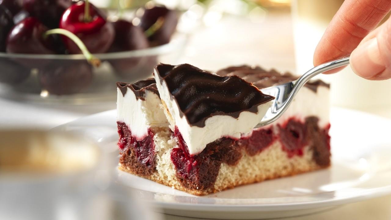 Рецепт французского вишневого пирожного с ванильным ароматом