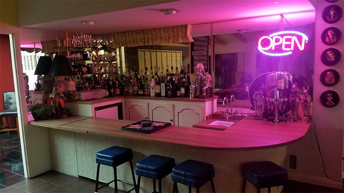 Бункер твоей мечты: в Лас-Вегасе продают подземное убежище с баром и танцплощадкой жизнь,курьезы,мир,приколы