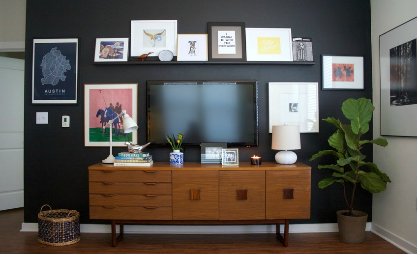 Usual black accent wall 1