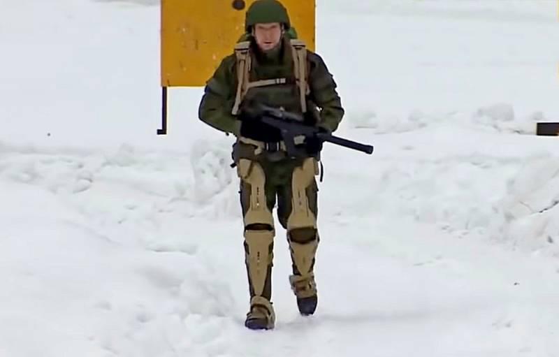 В чем заключается преимущество российских экзоскелетов над американскими Видео