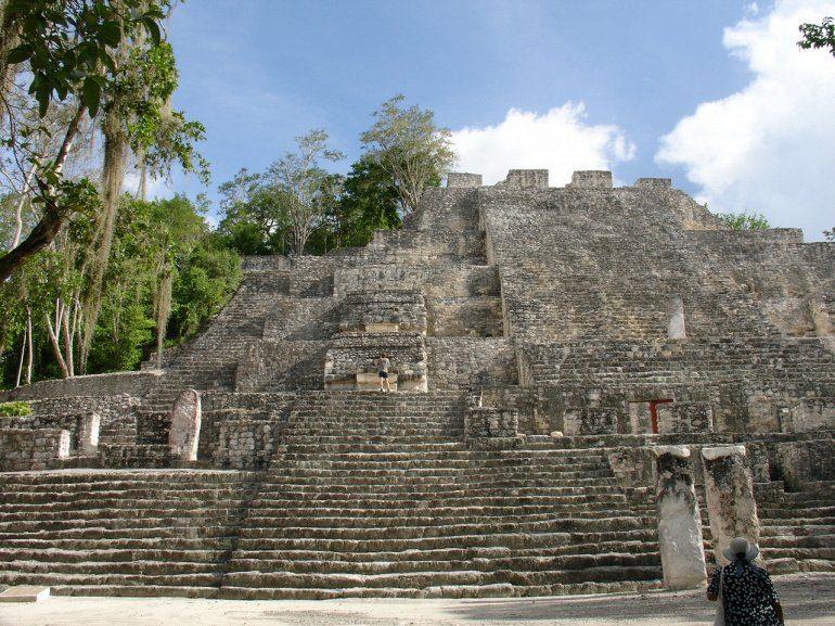 Древний город индейцев майя Калакмуль Калакмуль, самых, город, храмов, пирамида, площадью, километров, является, жилыми, идентифицированных, высотой, метров, более, Структура, Великая, которых, большим, самым, землях, древних