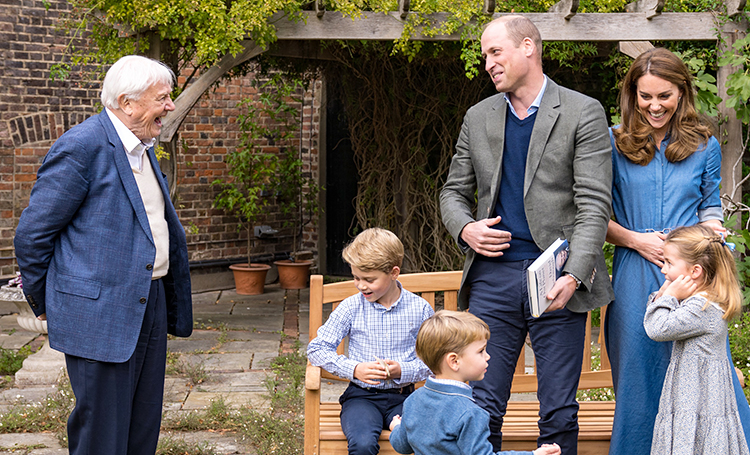 Кейт Миддлтон и принц Уильям с детьми пригласили натуралиста Дэвида Аттенборо в Кенсингтонский дворец Монархи,Британские монархи