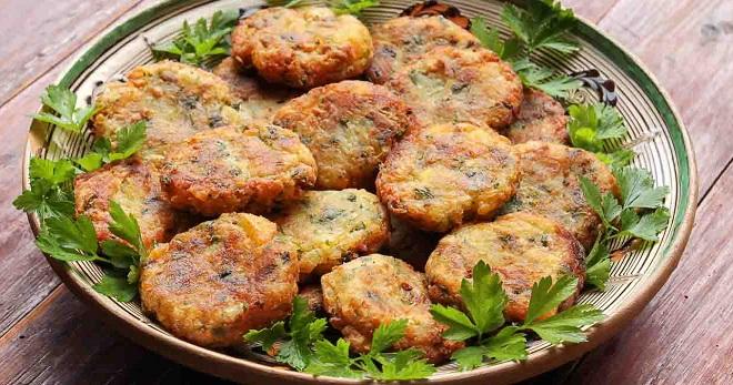 Постные капустные котлеты - лучшие сытные рецепты вкусного горячего блюда на каждый день
