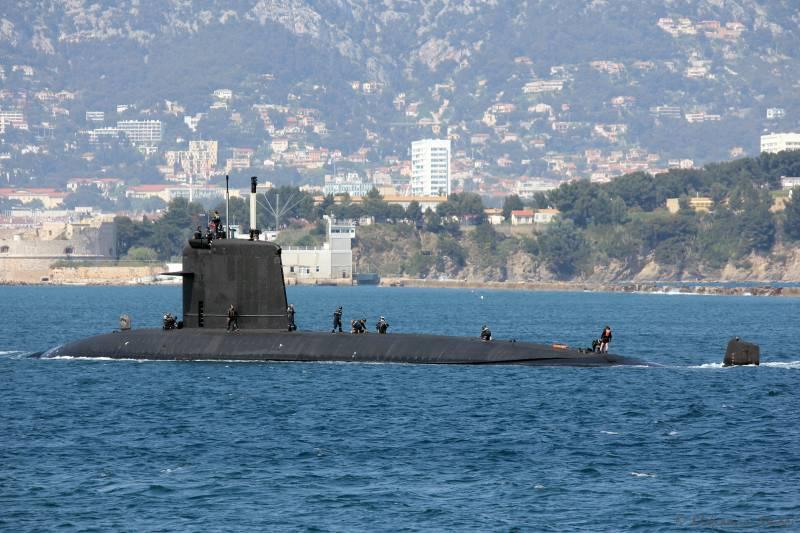 Слепить из двух половинок. ВМС Франции придумали, как спасти выгоревшую АПЛ вмф