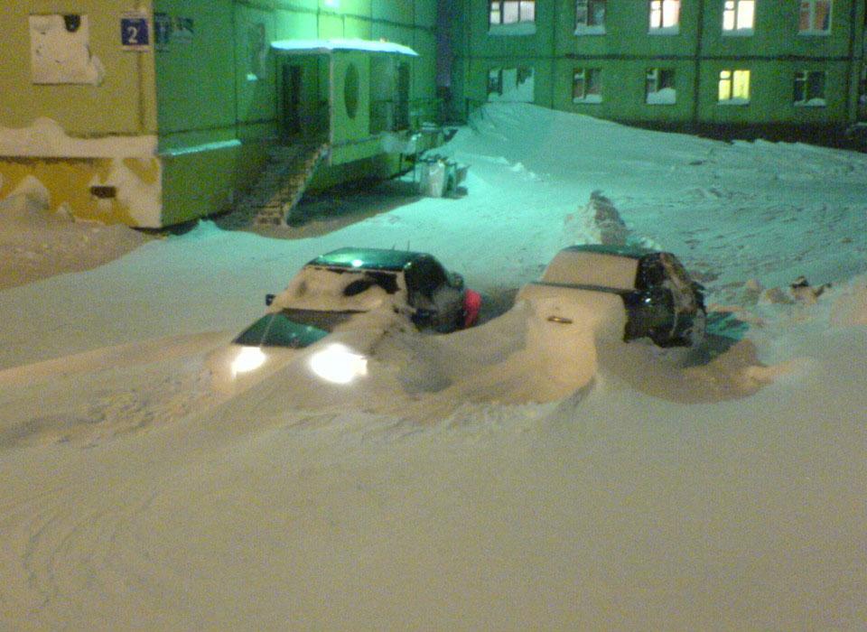 Обычная зима в Норильске города и страны,города,зима,необычное,Норильск,Россия,снегопад