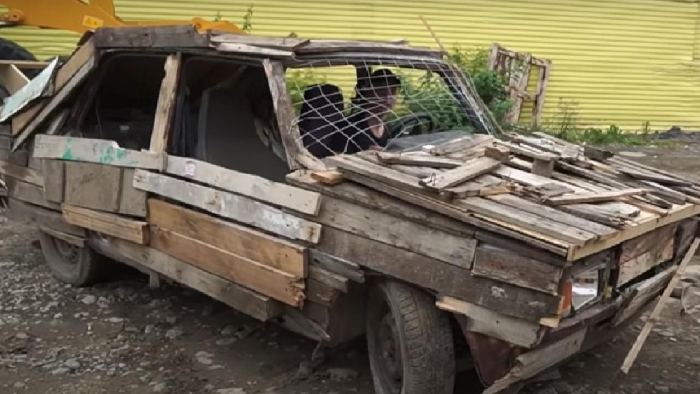 Пермский блогер на деревянных «Жигулях» привлечен к ответственности Общество