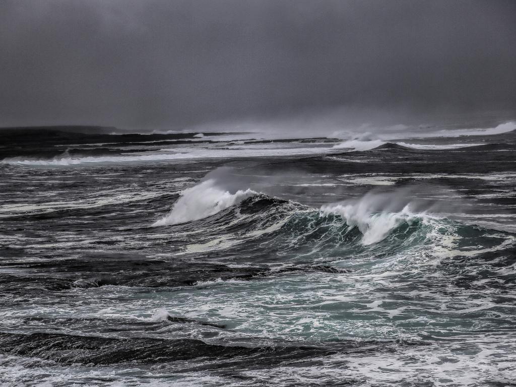 слухам, причины океан в шторм фото какие замечательные палантины