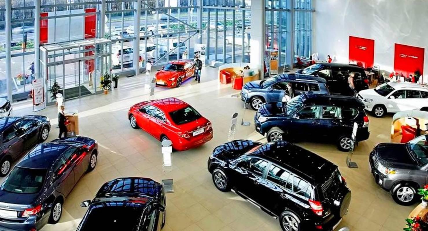 В первой половине мая 25 брендов изменили цены на свои автомобили в России Автомобили