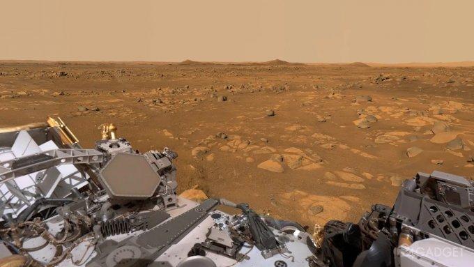 Панорамный вид Марса, снятый марсоходом Perseverance