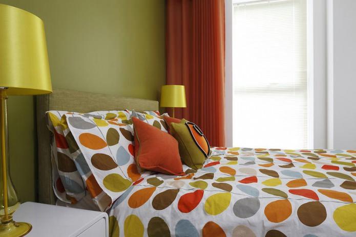 зелено-оранжевая спальня