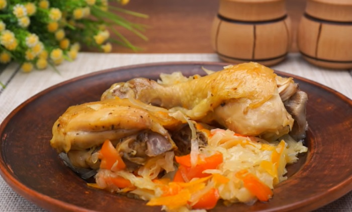 Окорочка, запеченные с капустой в рукаве: чудесное кушанье!