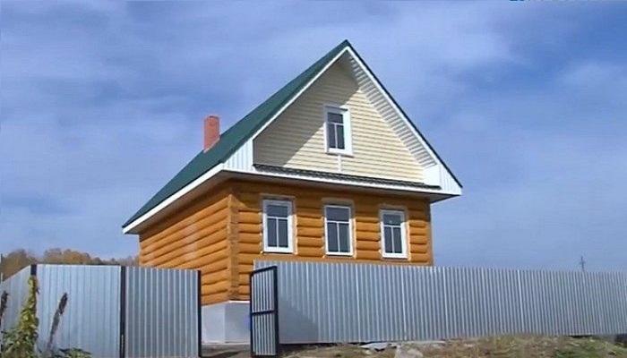 Дом для фельдшера уже готов и ждет своего хозяина (Султаново, Челябинская область).