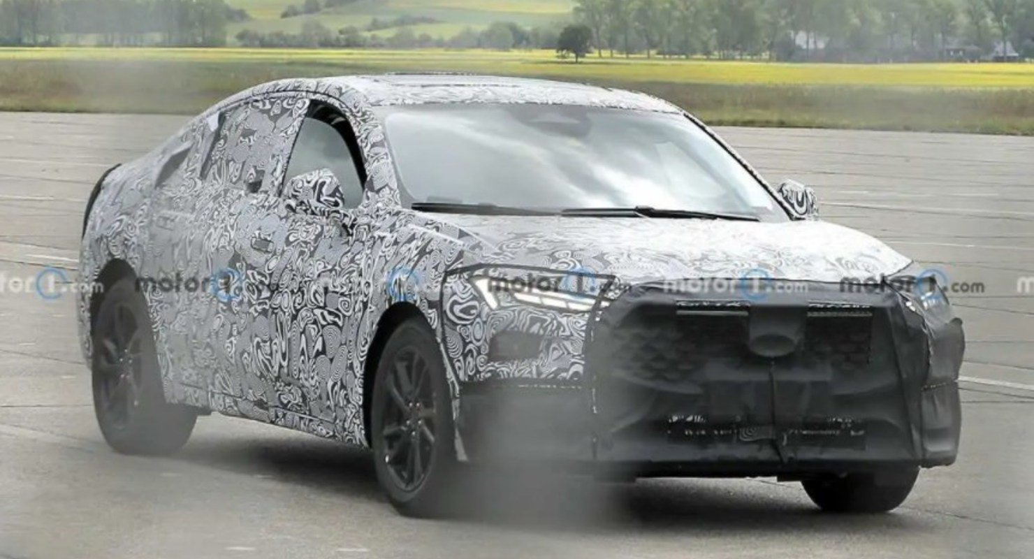 Преемник Ford Fusion/Mondeo замечен с серийным кузовом и фарами Автомобили