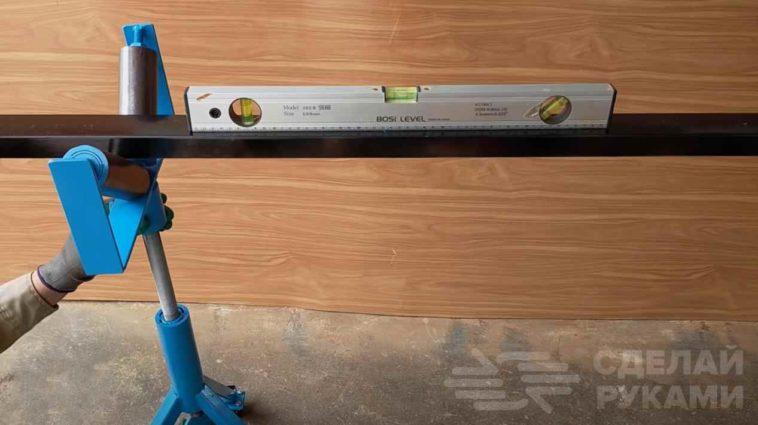 Стойка с опорными роликами для длинных заготовок