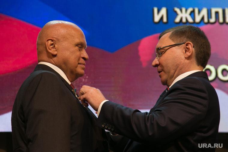Российским министрам вместо премий рекомендовали публично хвалить подчиненных