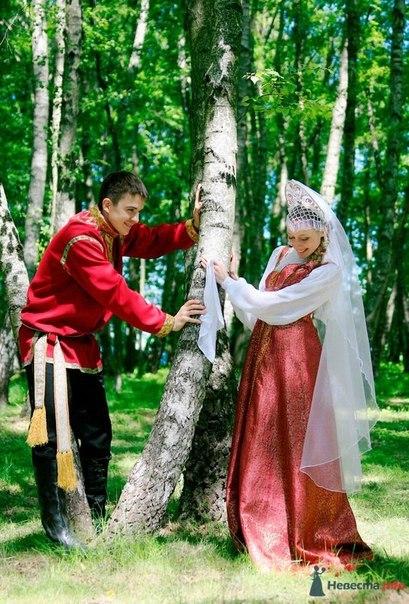 Пояс - обязательный элемент одежды на РусиНа Руси в быту и народных обрядах...
