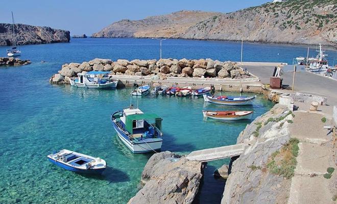 Греческий остров предложил бесплатное жилье желающим переселиться Культура