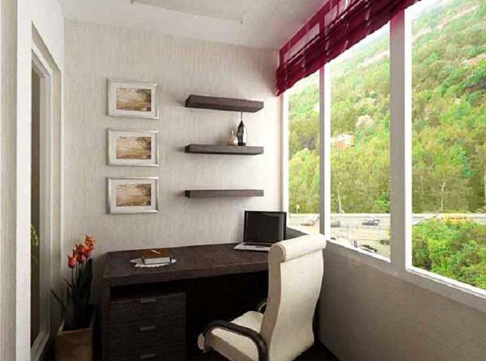 Поставьте стол, повесьте пару полок и удобное кресло -рабочее место готово.
