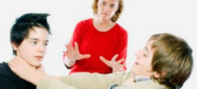 А на самом деле дети, которых любит только мама – это не миф