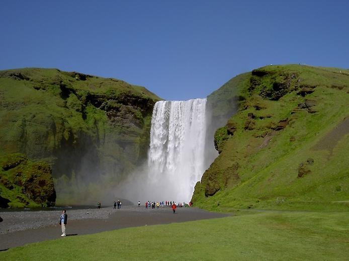 Скогафос - самый знаменитый водопад Исландии