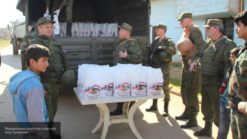 Российские военные доставили гуманитарную помощь жителям сирийского Маалюля