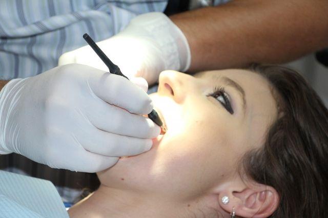 Нужно ли удалять зуб при кровотечении из-под коронки?