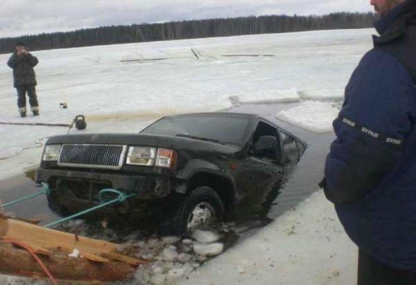 12 фото, демонстрирующих, что на зимнюю рыбалку лучше ходить пешком