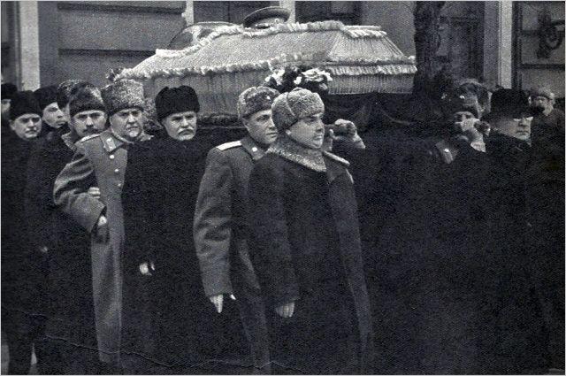 Раздор под видом мира. Политик Гозман поздравил всех со смертью Сталина