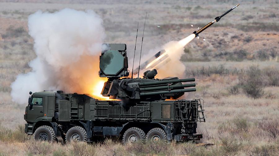 МОЛНИЯ: Силы ПВО России отразили атаку на авиабазу Хмеймим в Сирии (ВИДЕО)
