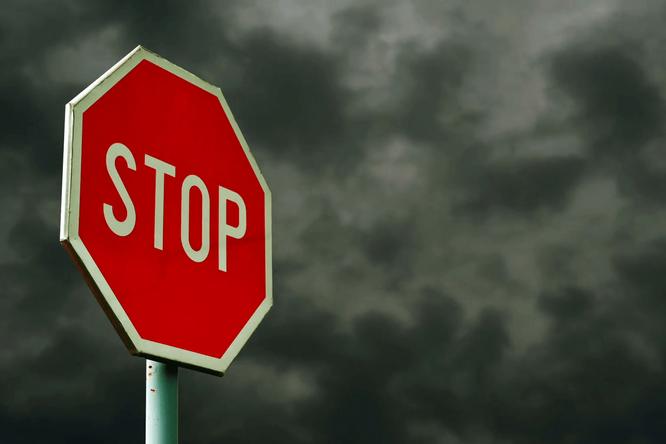 Почему вПариже нетзнаков STOP водители,дороги,пешеходы