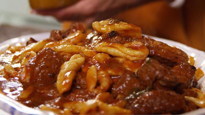 Подлива для макарон из свинины: ингредиенты и рецепт приготовления