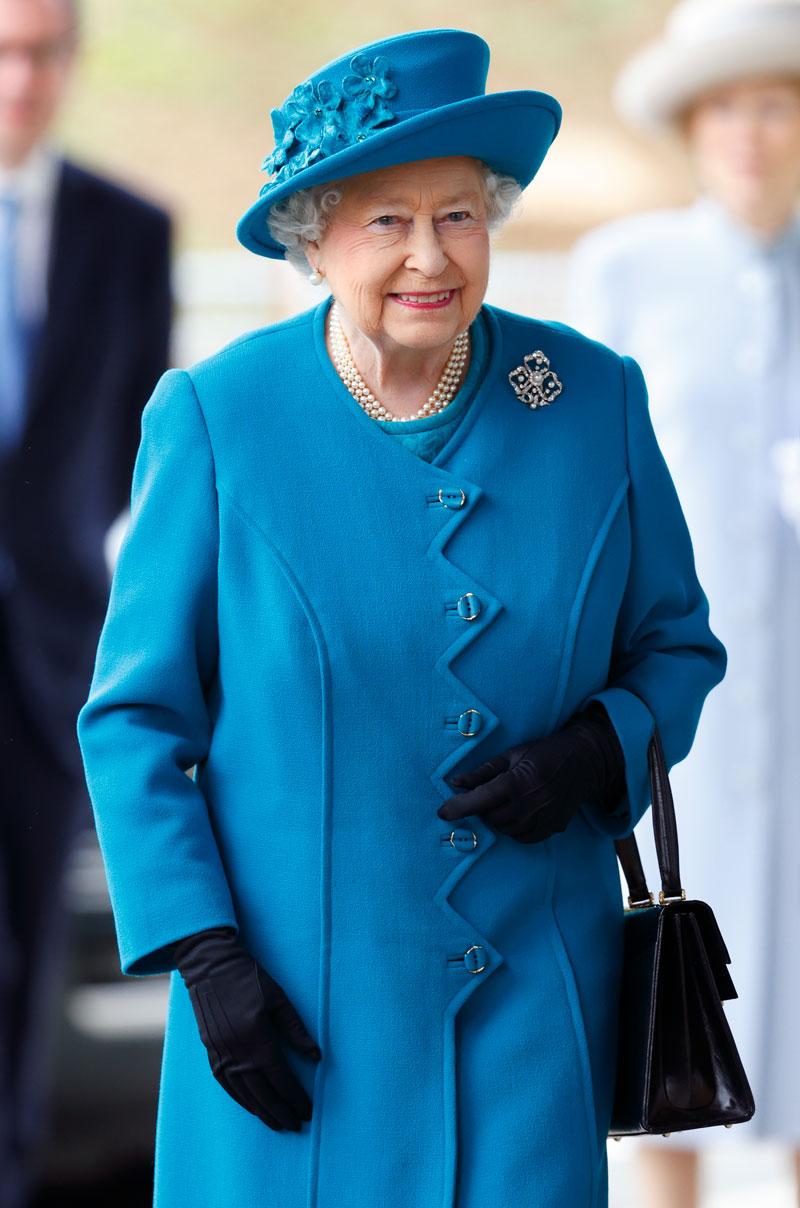 Женщина-радуга: топ-10 самых ярких пальто королевы Елизаветы II