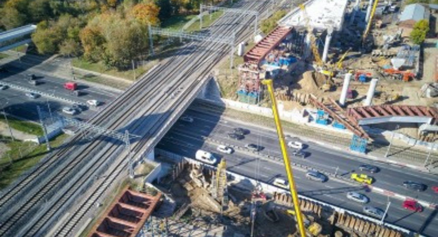 На развитие дорог в России направят 100 млрд рублей Автограмота
